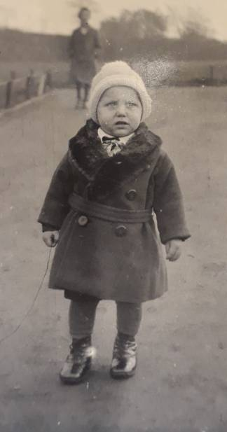 Gustel going for a walk, 1935