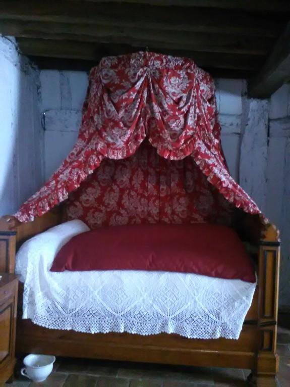 Bed - France