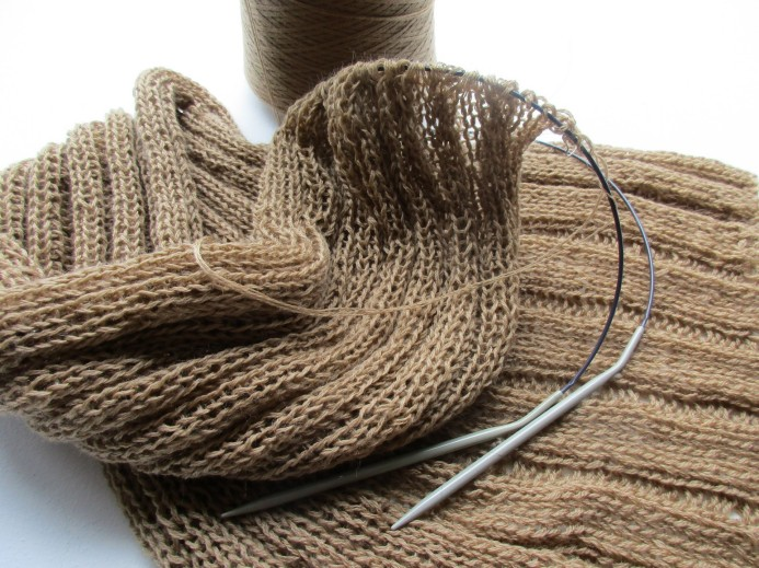 Scarf in the making - pure merino wool